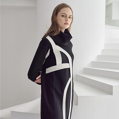 [프릭스 김태훈] FREAKS KIMTAEHOON 19FW 울 컴팩트-져지 터틀넥 버블 실루엣 구조적인 니트 드레스 Wool COMPACT JERSEY Big Turtle-Neck Structural Bubble Dress
